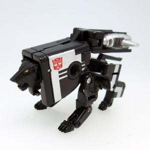 Takaratomy Transformers Masterpiece MP-15/16E Cassettebot VS Cassettetron