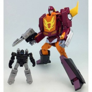 Takaratomy Transformers Masterpiece MP-40 Hot Rodimus Targetmaster + Metal Coin