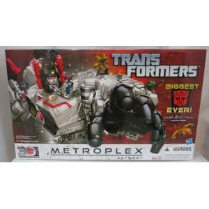 Transformers Generation Metroplex Titan Class