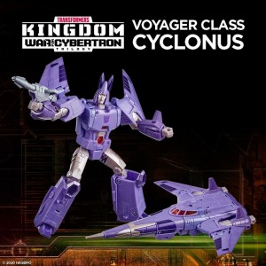 Hasbro Transformers Kingdom 'War For Cybertron Trilogy' Voyager Class Cyclonus