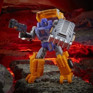 Hasbro Transformers Kingdom 'War For Cybertron Trilogy' Deluxe Class Huffer