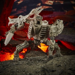 Hasbro Transformers Kingdom 'War For Cybertron Trilogy' Deluxe Class Ractonite