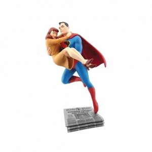 Cryptozoic DC Comics Superman Rescuing Lois Lane Statue