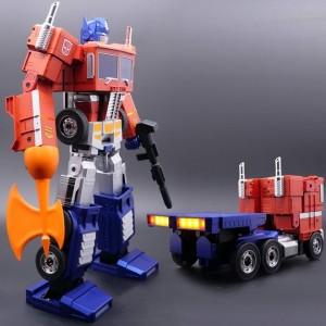 Robosen X Hasbro Optimus Prime aka Convoy aka Commander