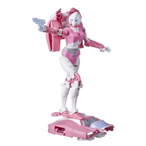 Hasbro Transformers Kingdom 'War For Cybertron Trilogy' Deluxe Class KFC-K17 Arcee