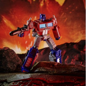 Hasbro Transformers Kingdom 'War For Cybertron Trilogy' Leader Class WFC-K11 Optimus Prime