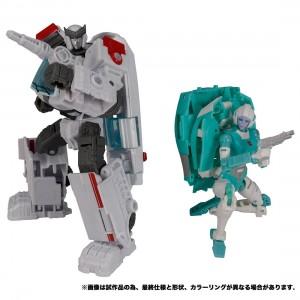 Takaratomy Transformers Earth Rise ER-20EX Paradron Medics